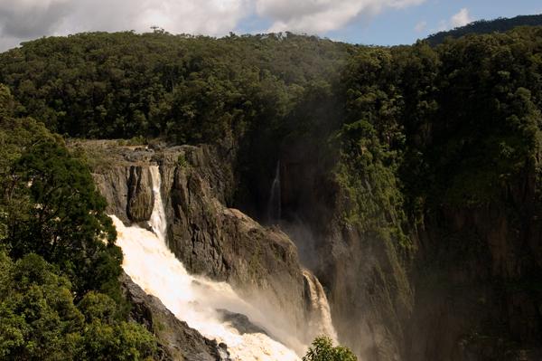 バロン渓谷 バロン滝